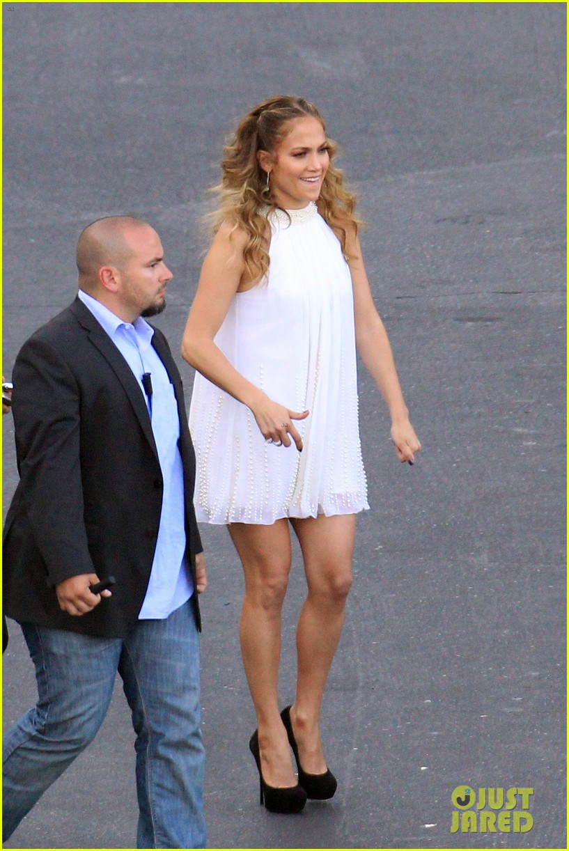 jennifer lopez dance again performance with casper smart 05