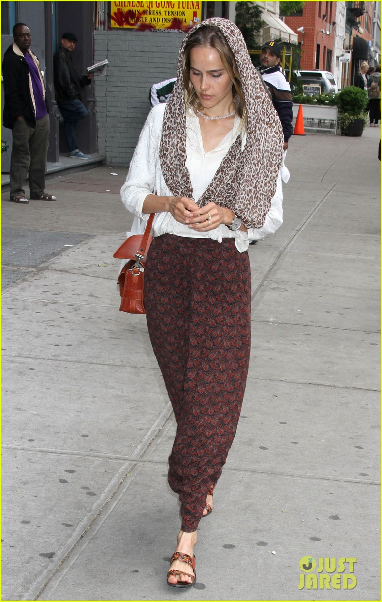 isabel lucas nyc 01