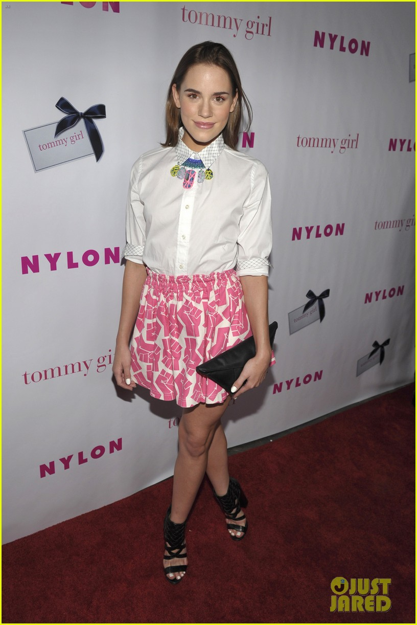 ashley madekwe christa b allen nylons young hollywood party 08