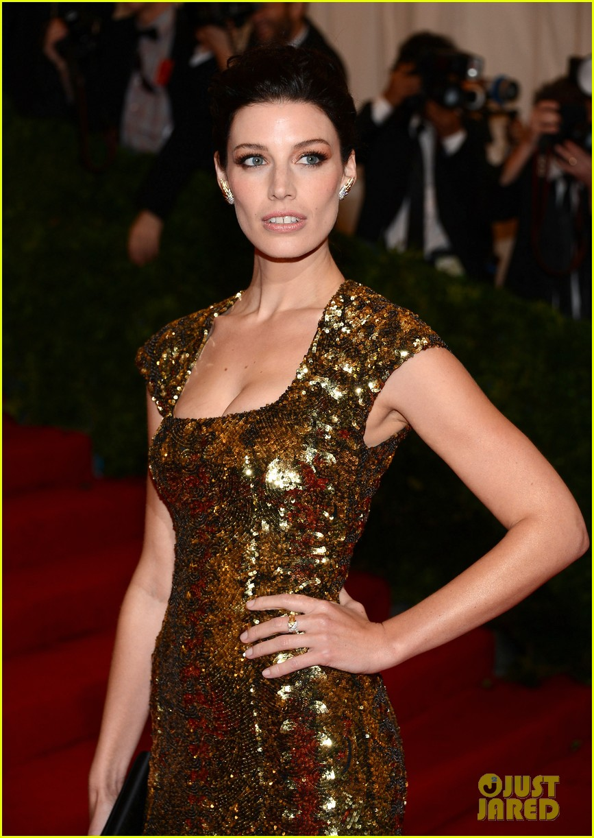 brit marling jessica pare met ball 2012 05