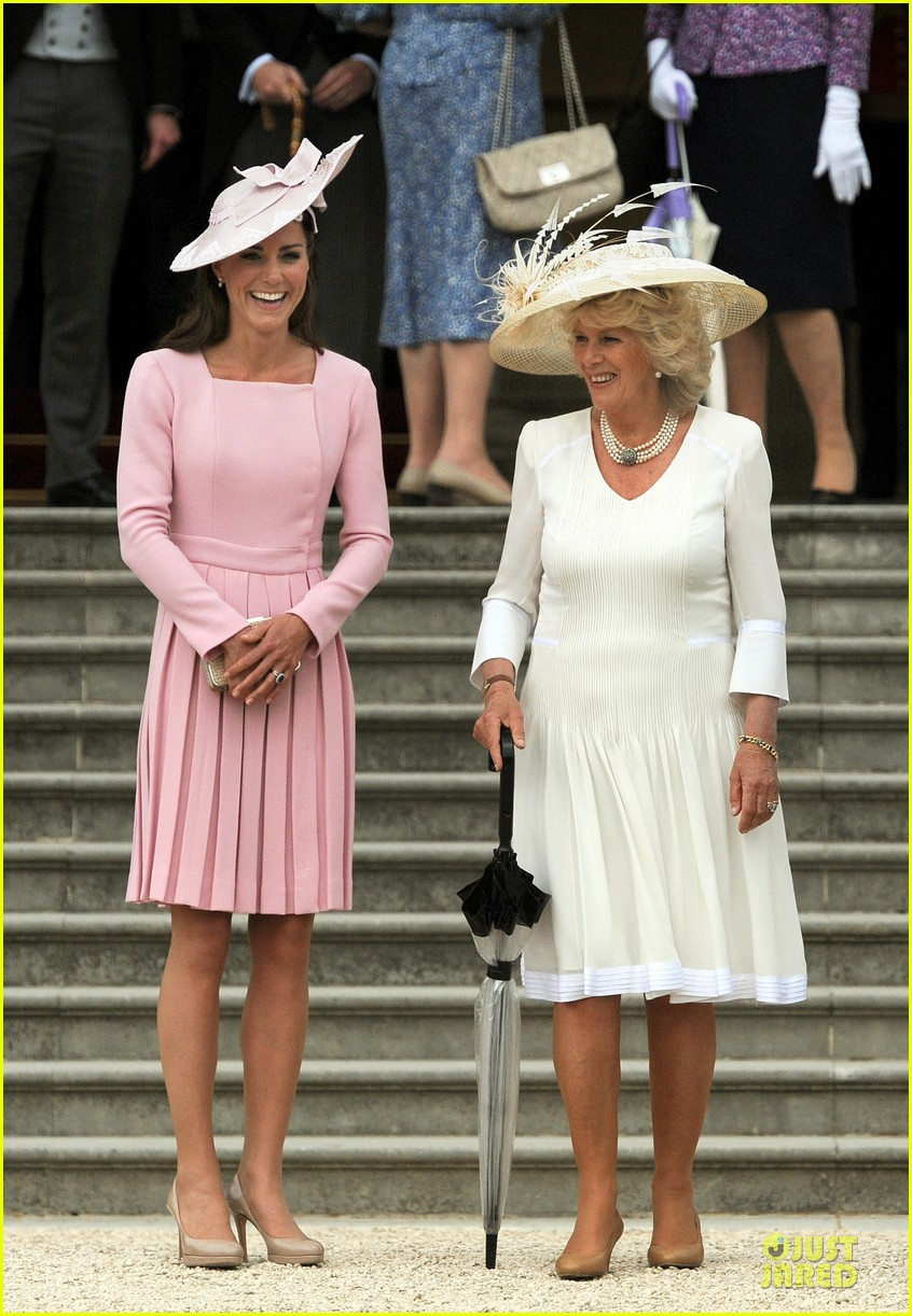 kate middleton buckingham tea party 07