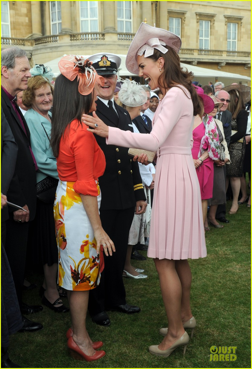 kate middleton buckingham tea party 11