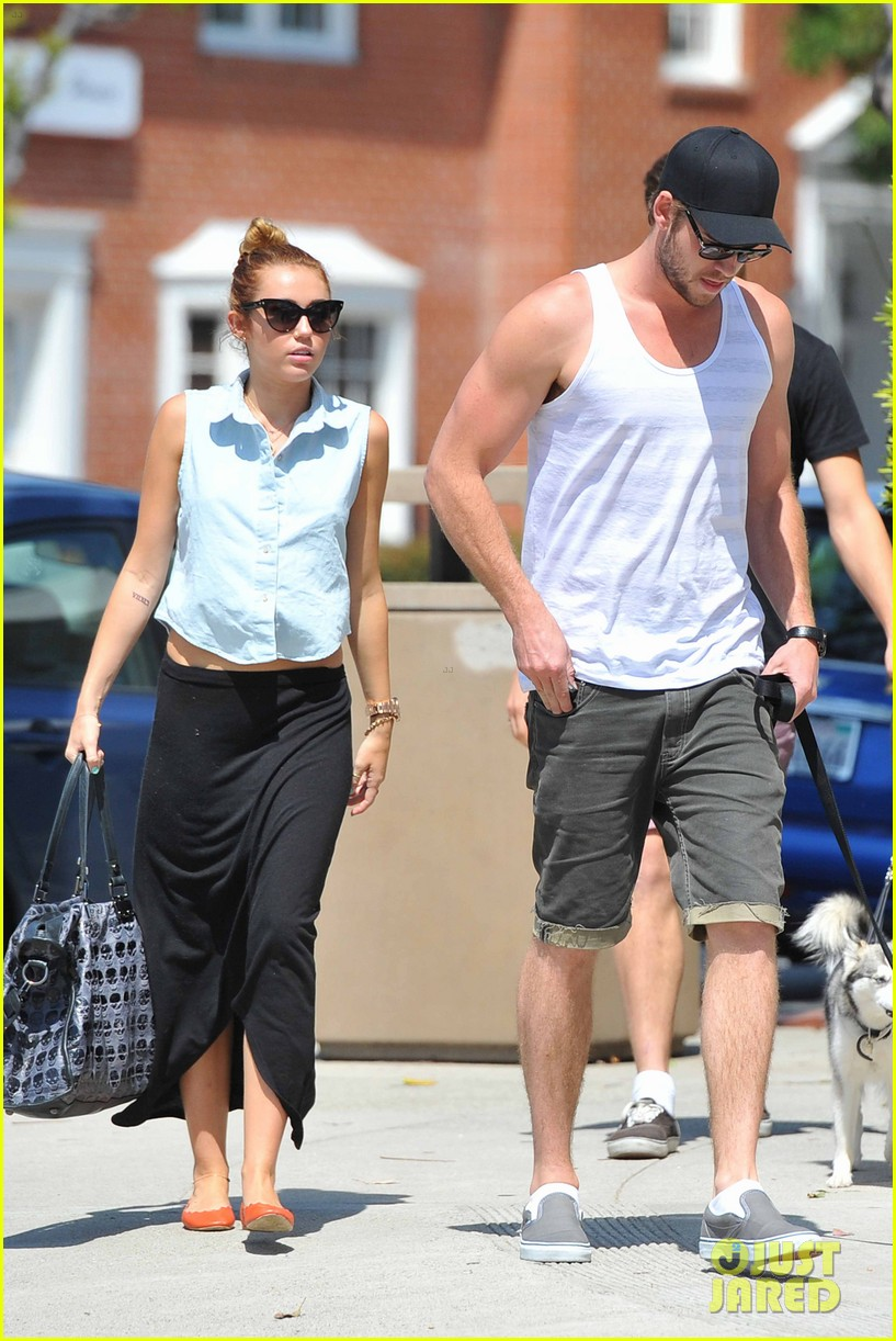 miley cyrus dream life liam hemsworth 102660942