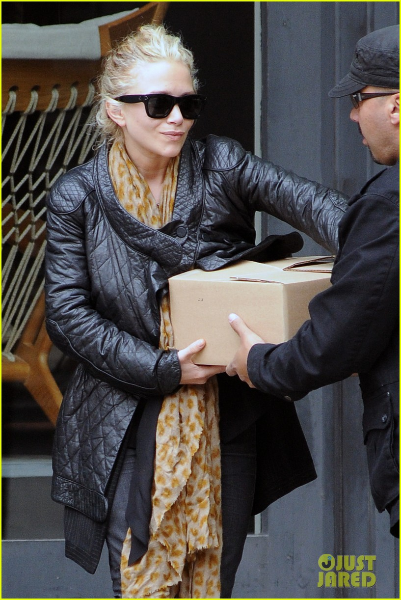mary kate olsen lamp store 04