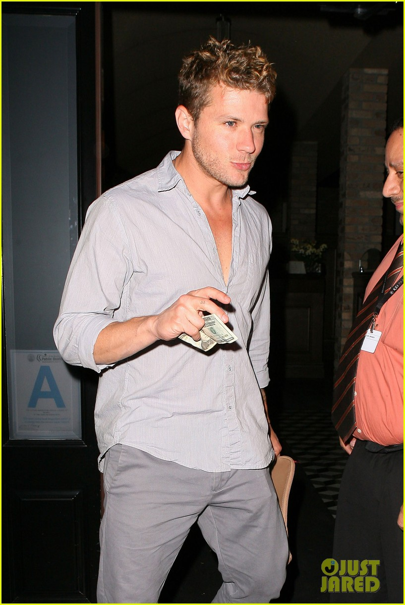 ryan phillippe craigs night out 02