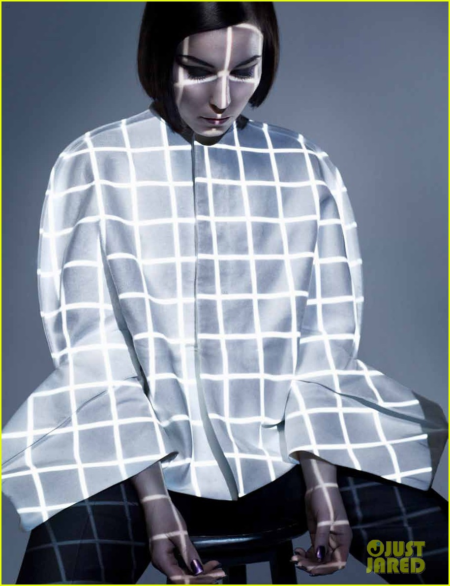 noomi rampace dazed and confused 04