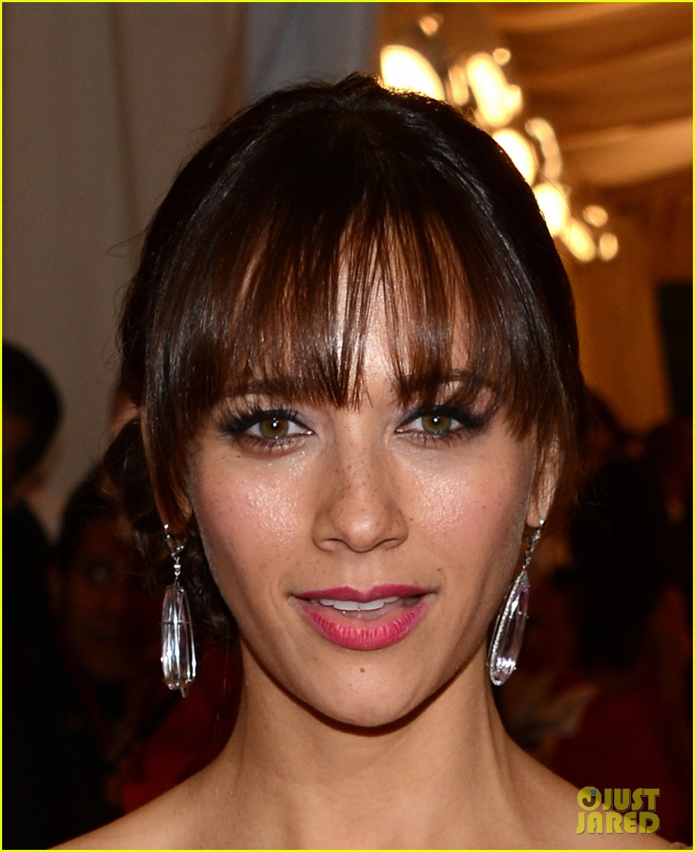 rashida jones 2012 met ball 02