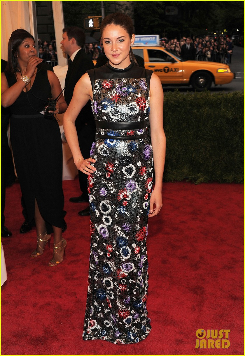 shailene woodley met ball 2012 02
