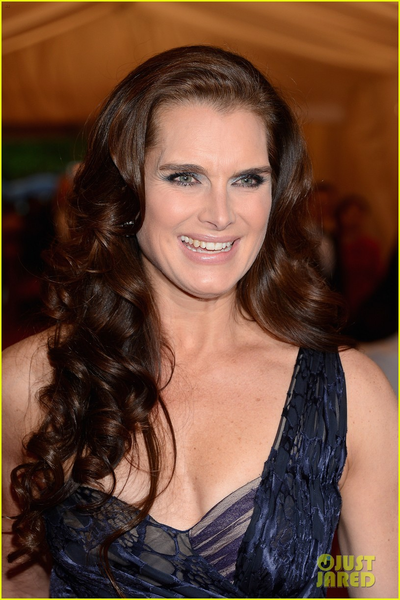 brooke shields michelle dockery met ball 2012 022658408