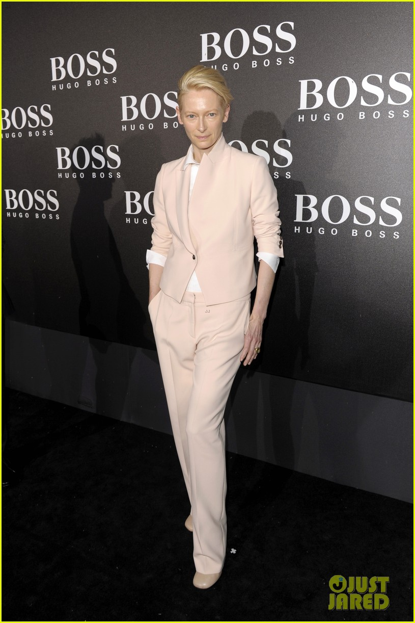 tilda swinton ryan phillippe boss fashion show in beijing 21