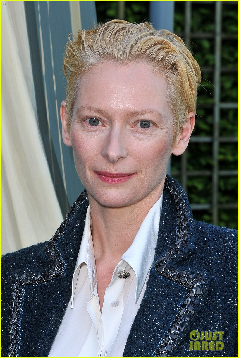 tilda swinton chanel cruise collection 042661956