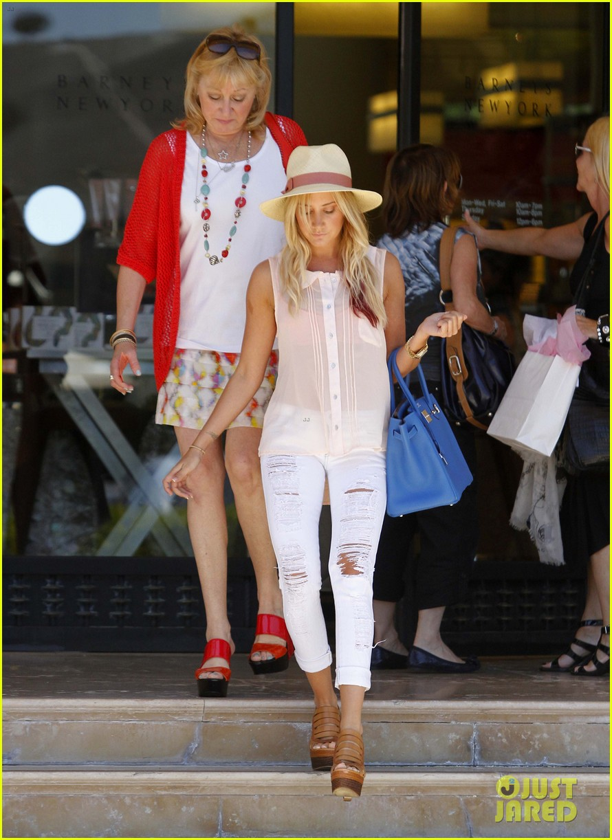http://cdn03.cdn.justjared.com/wp-content/uploads/2012/05/tisdale-barneysny/ashley-tisdale-barneys-ny-06.jpg