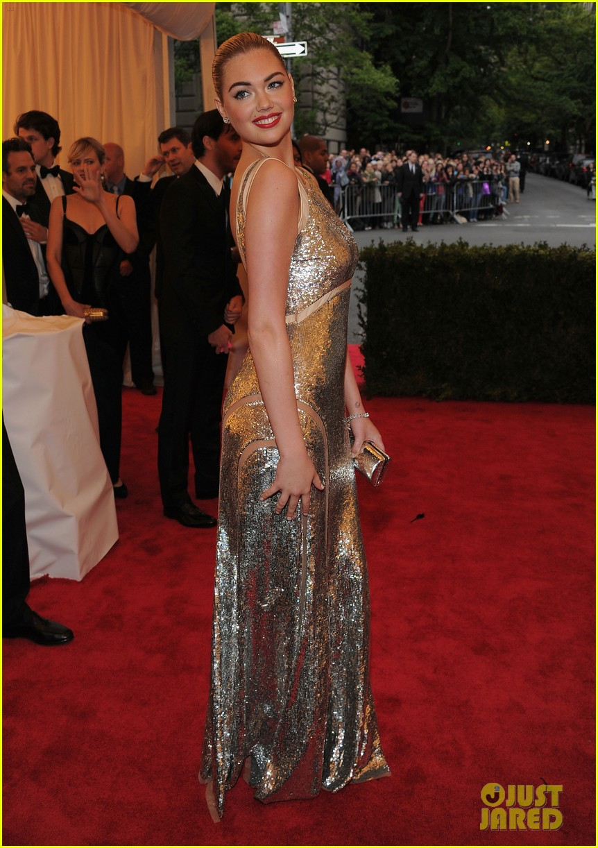 kate upton met ball 2012 06
