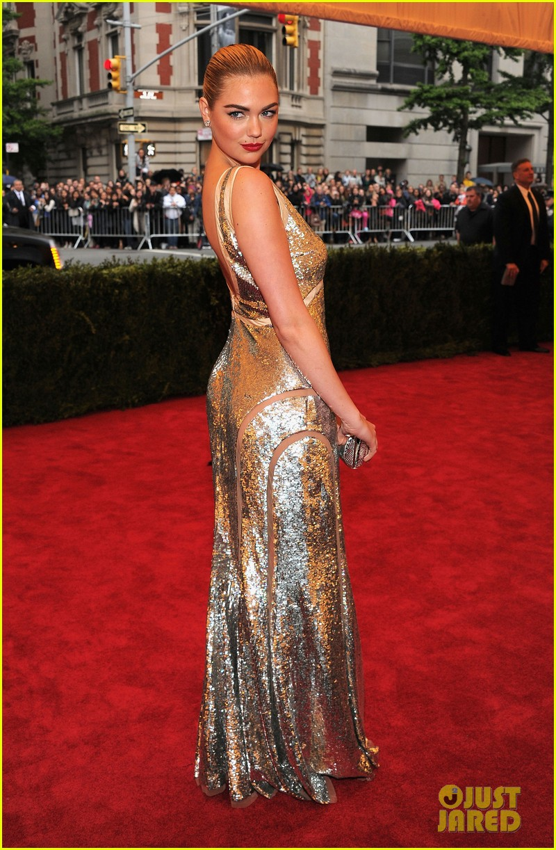 kate upton met ball 2012 08
