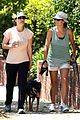 kate walsh walking dog 04