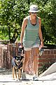 kate walsh walking dog 05