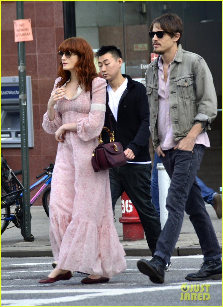 florence welch shopping 042660697