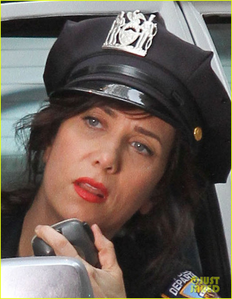kristen wiig secret life of walter mitty set 04