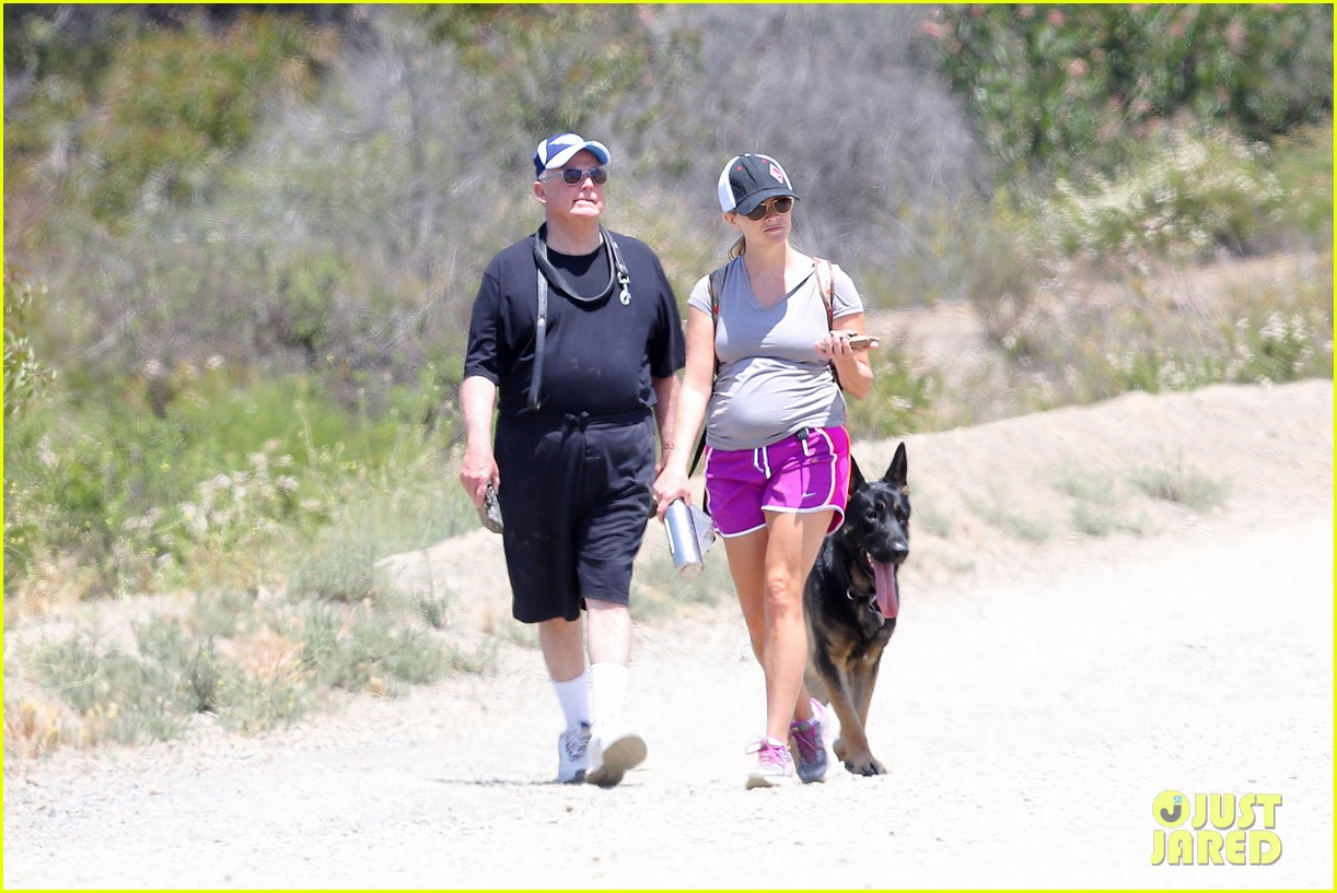 reese witherspoon hiking dad john 01