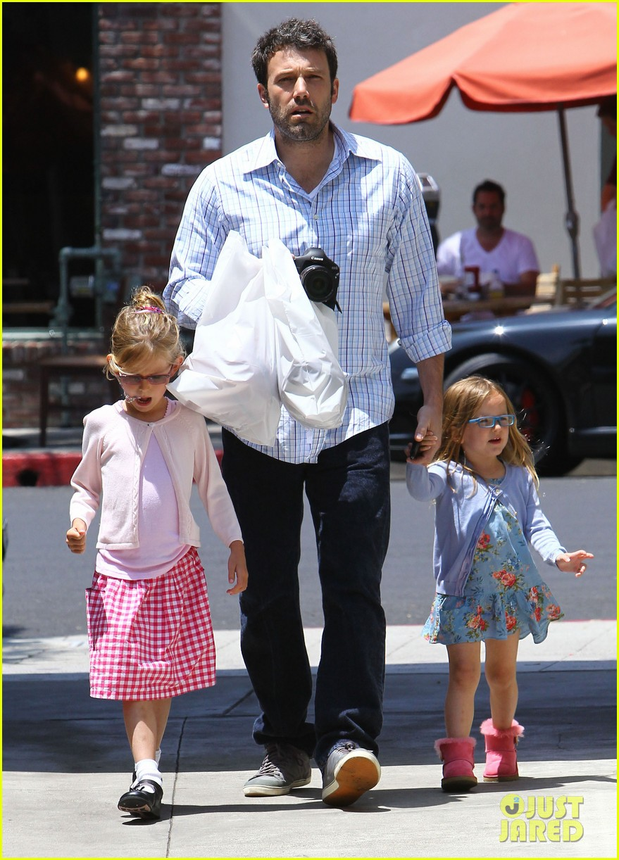 garner affleck family time 03
