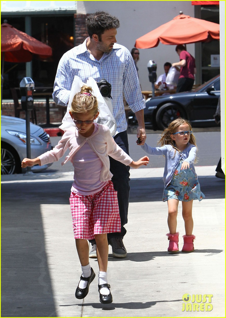 garner affleck family time 152670040