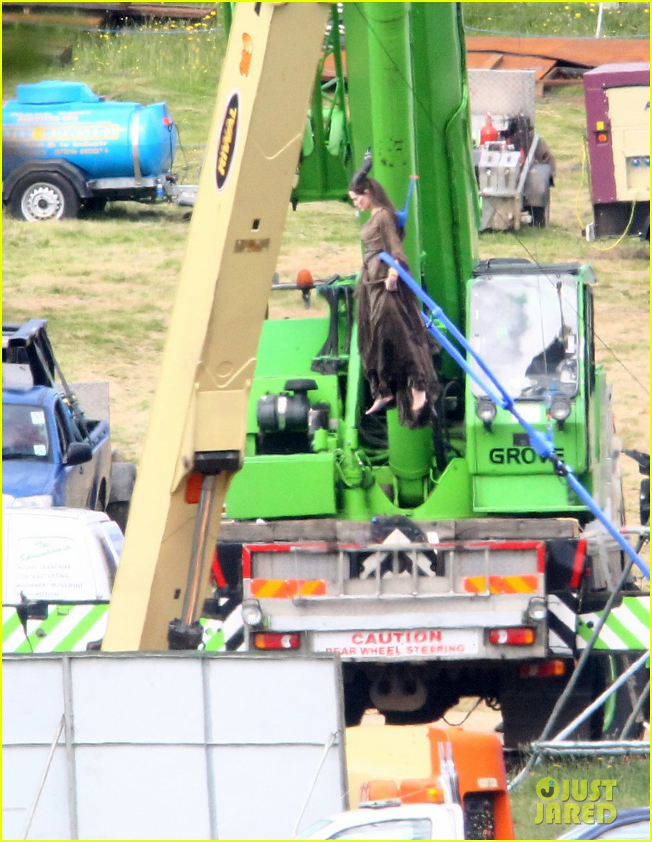angelina jolie maleficent stunts 01
