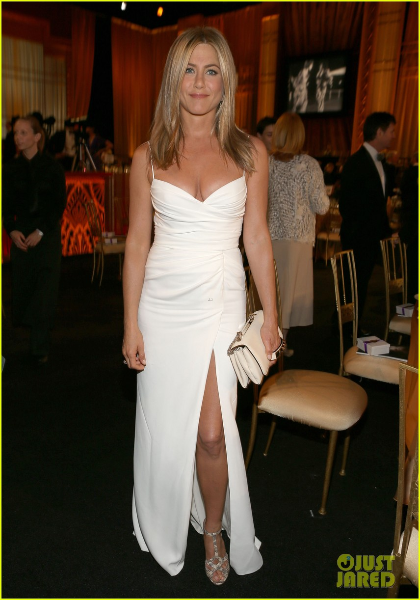 jennifer aniston afi award ceremony for shirley maclaine 012671990