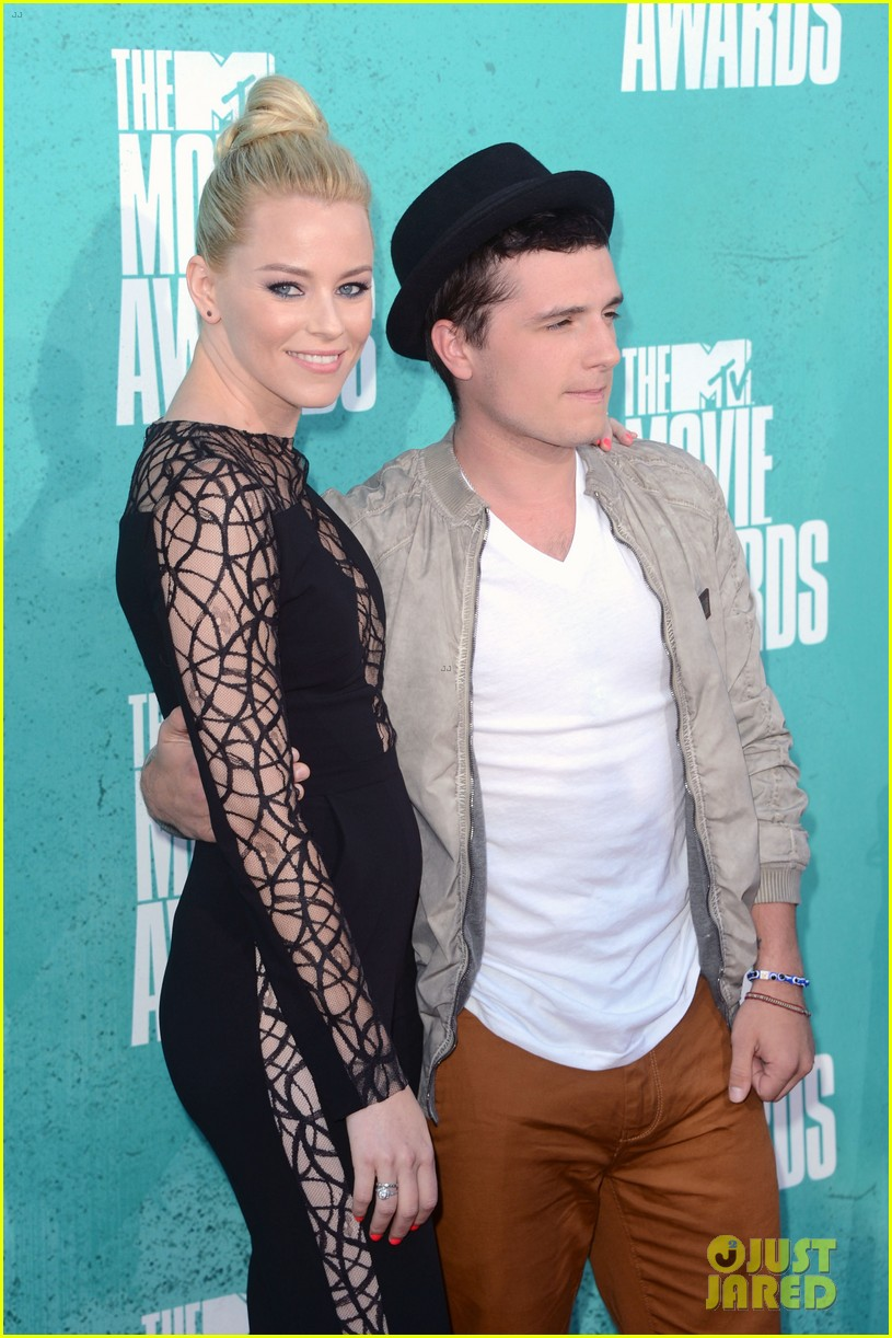 elizabeth banks mtv movie awards 2012 02