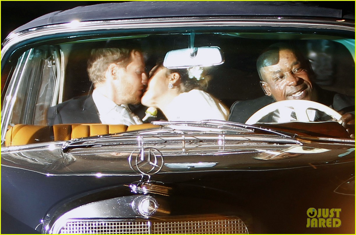 drew barrymore will kopelman wedding kiss 02