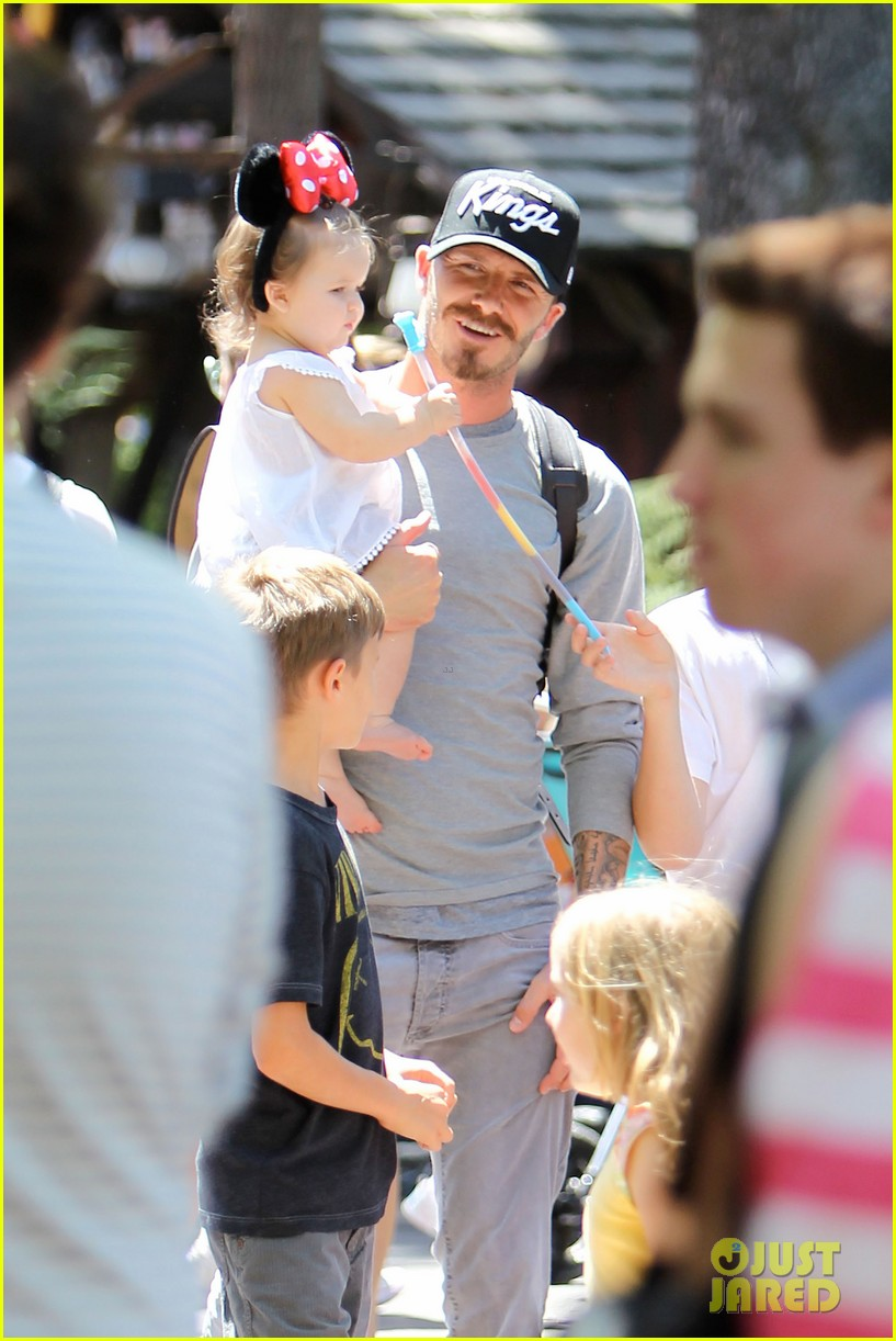 beckham family disney day 02