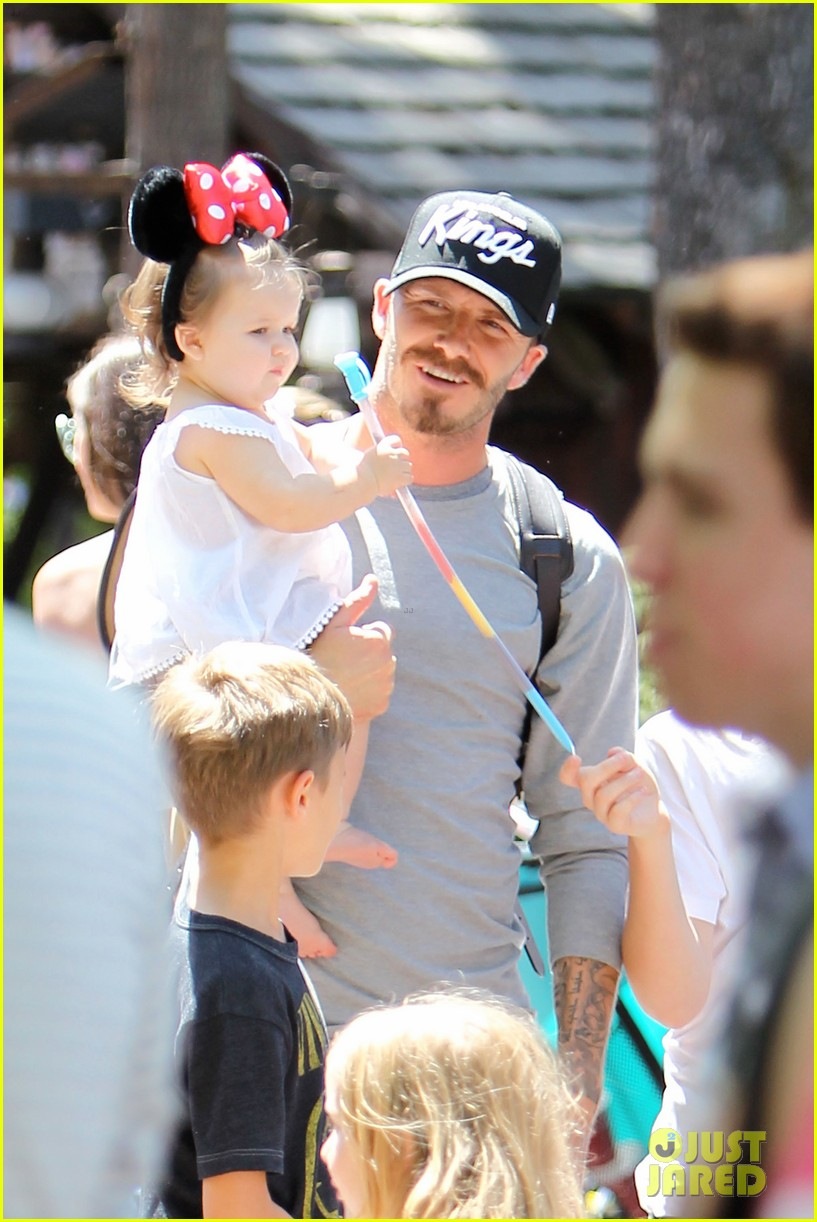 beckham family disney day 19