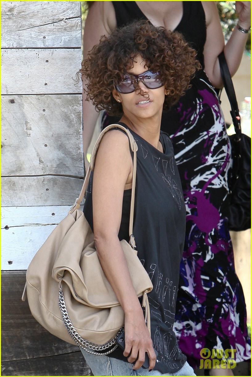 halle berry eveleigh lunch 09