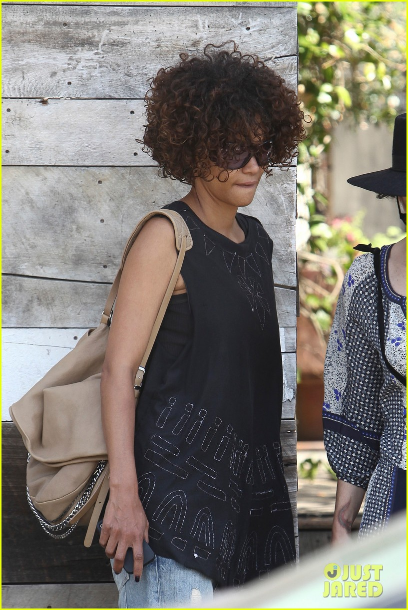 halle berry eveleigh lunch 12