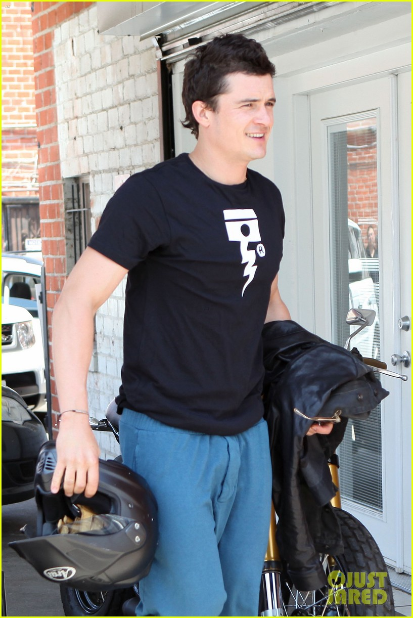 orlando bloom biker boy in beverly hills 02