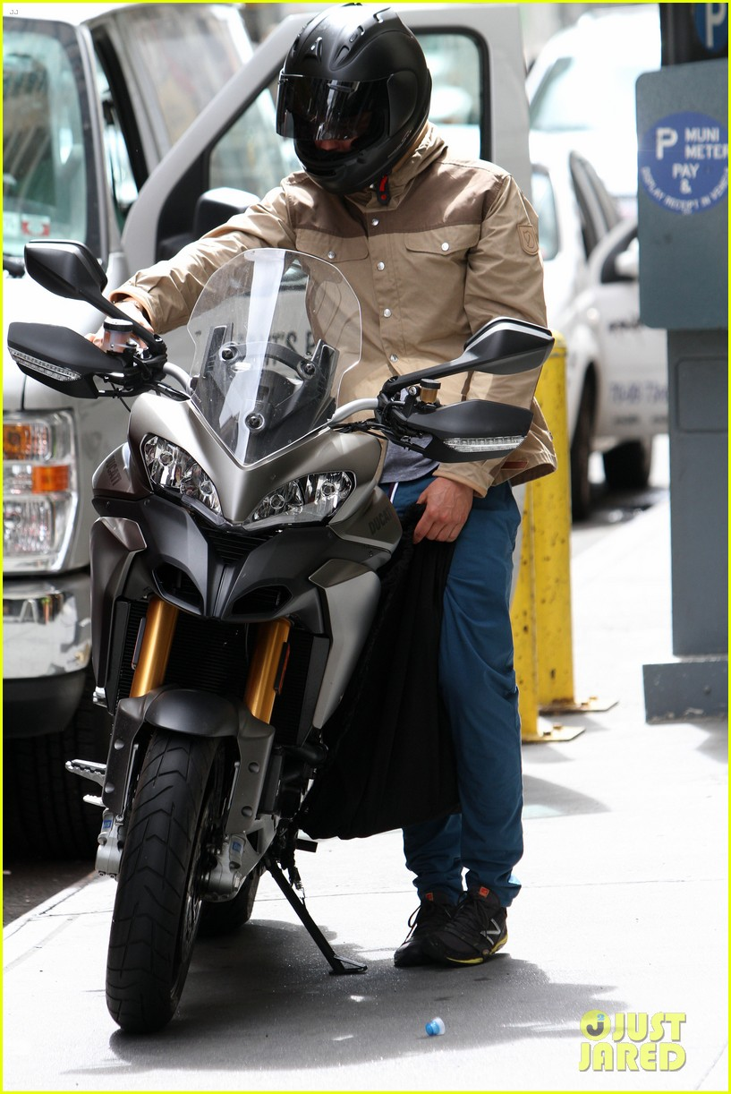 orlando bloom ducati man 07