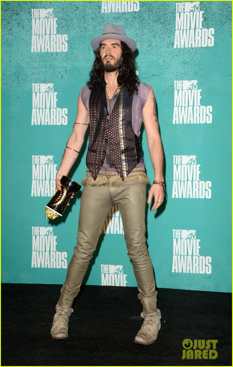 russell brand hosting mtv awards 05