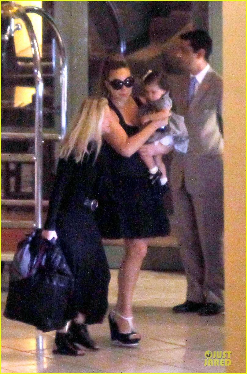 mariah carey nice airport dem babies 052671212