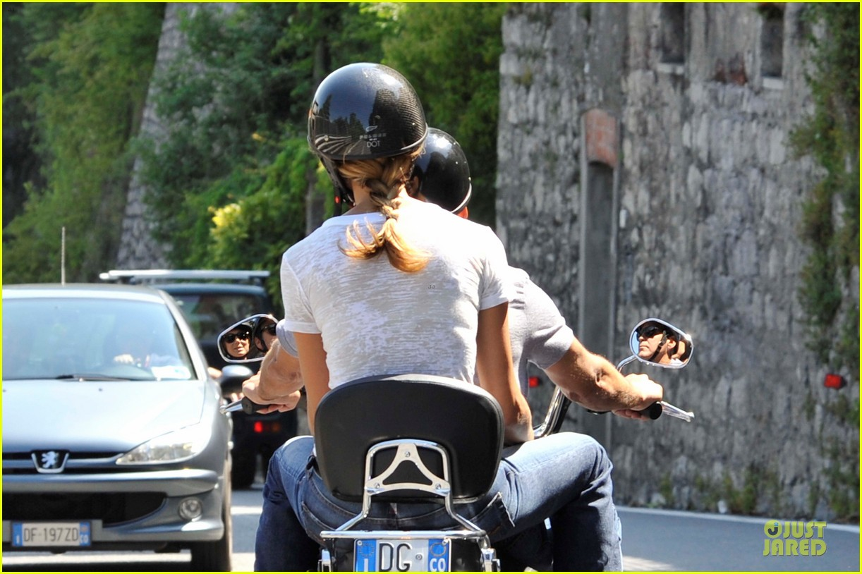 george clooney stacy keibler motorcycle lake como 07