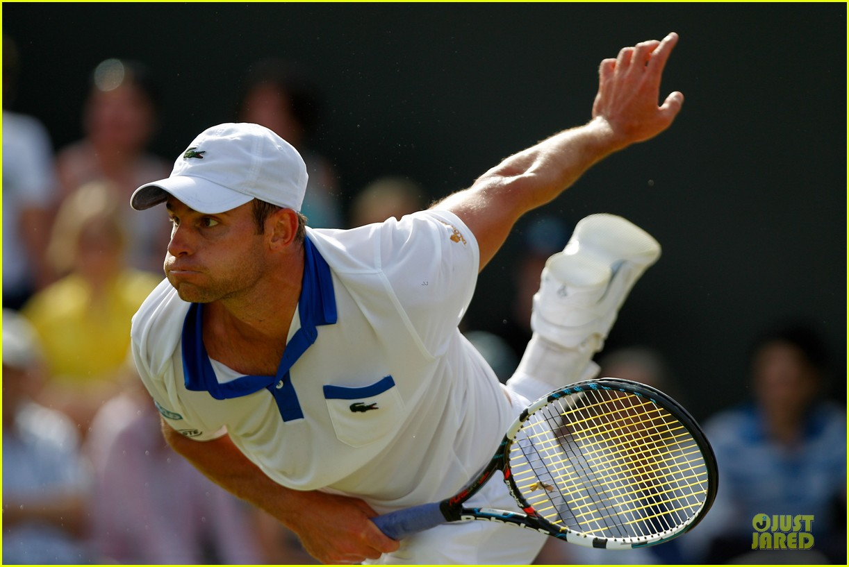 brooklyn decker andy roddick wimebldon 13