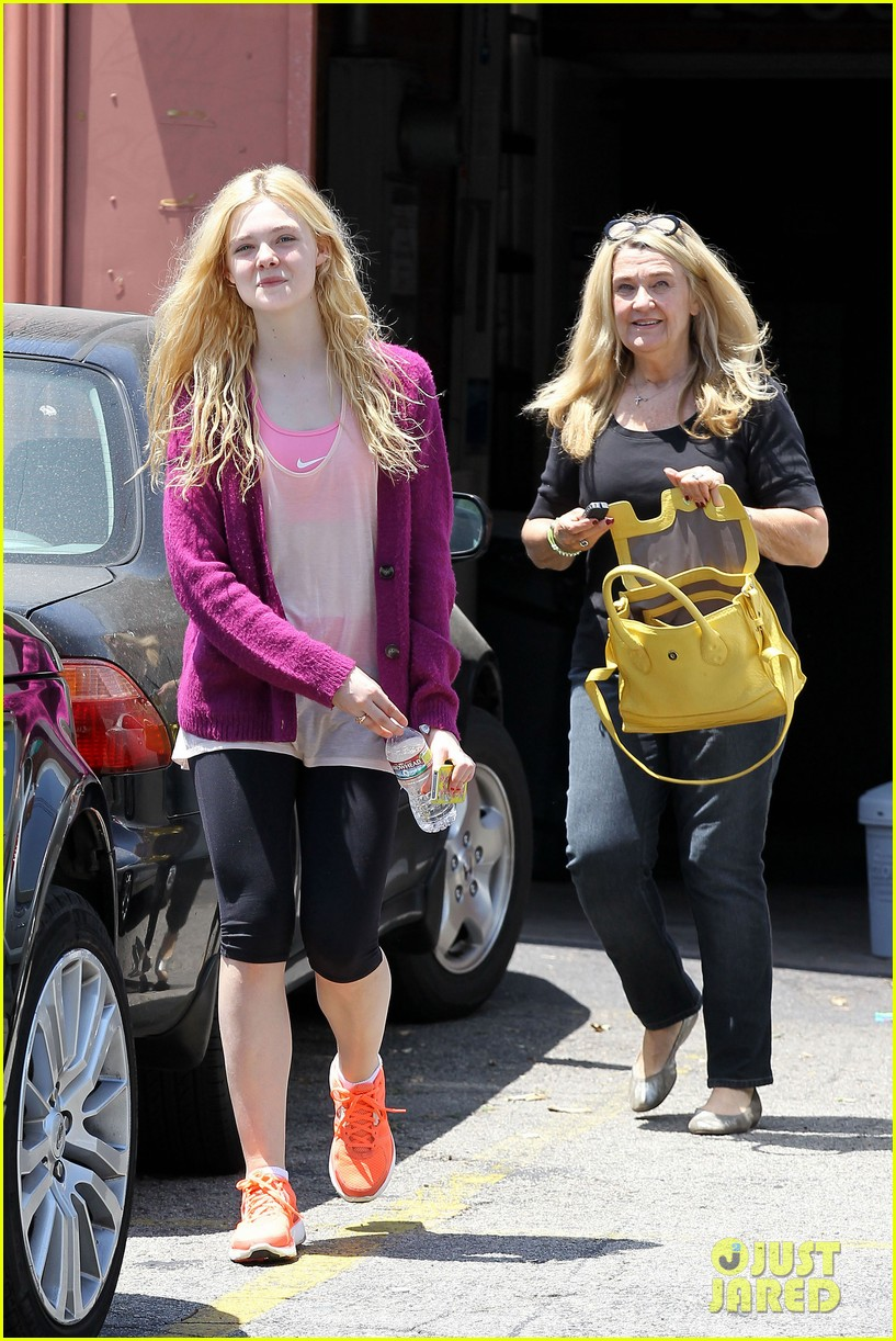 elle dakota fanning casual weekend 18