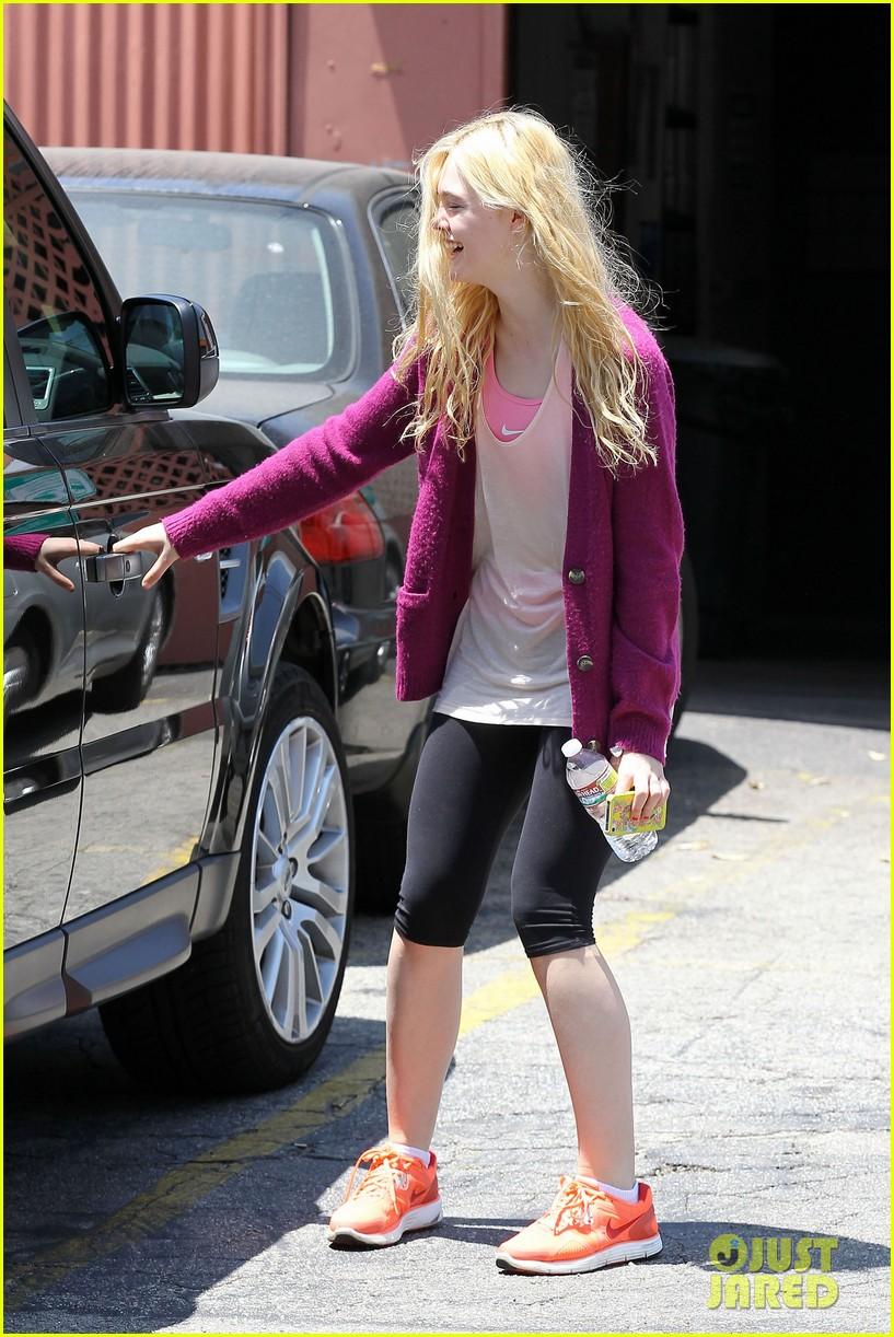 elle dakota fanning casual weekend 222673887