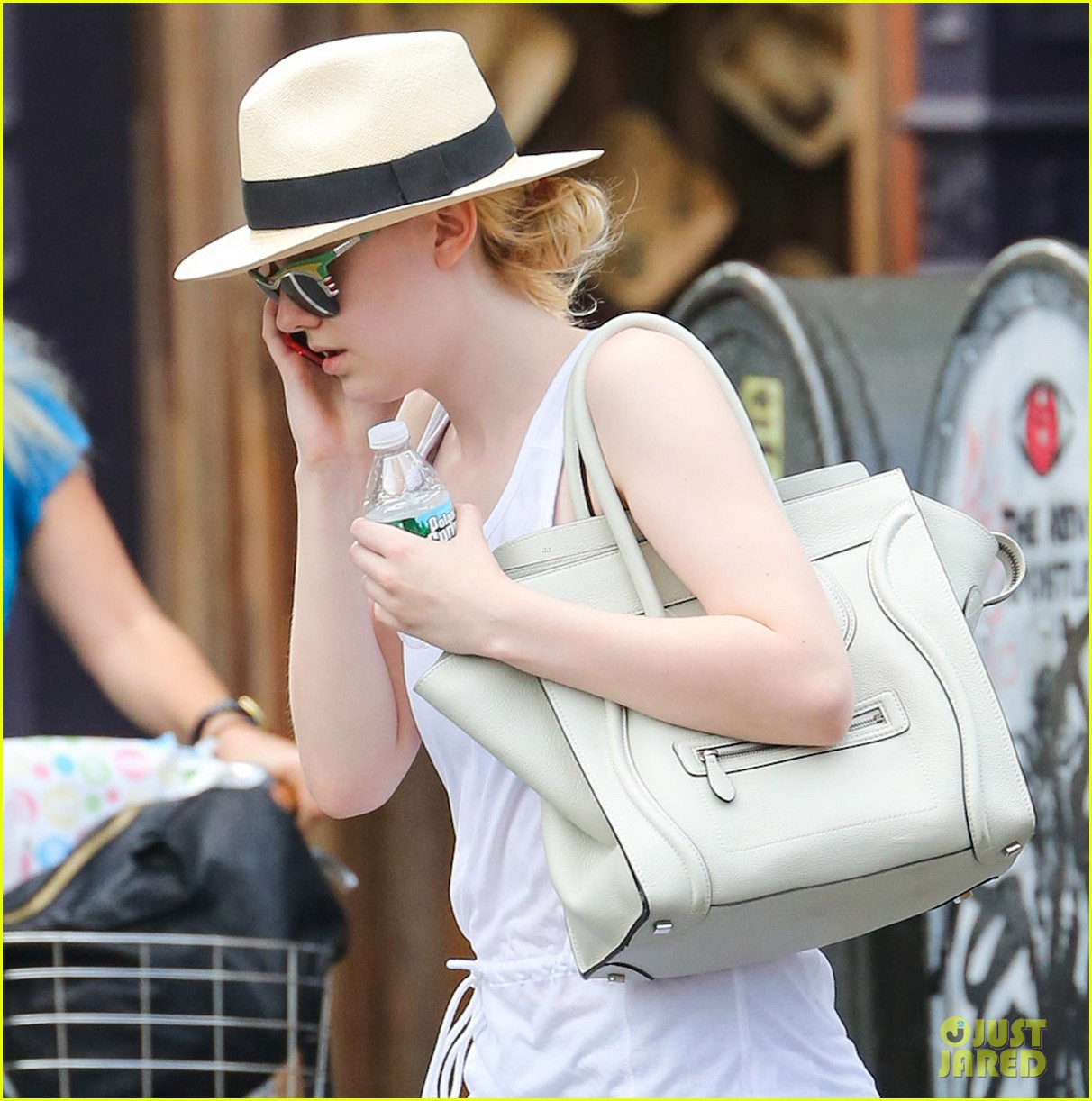 dakota fanning leaving gym 02