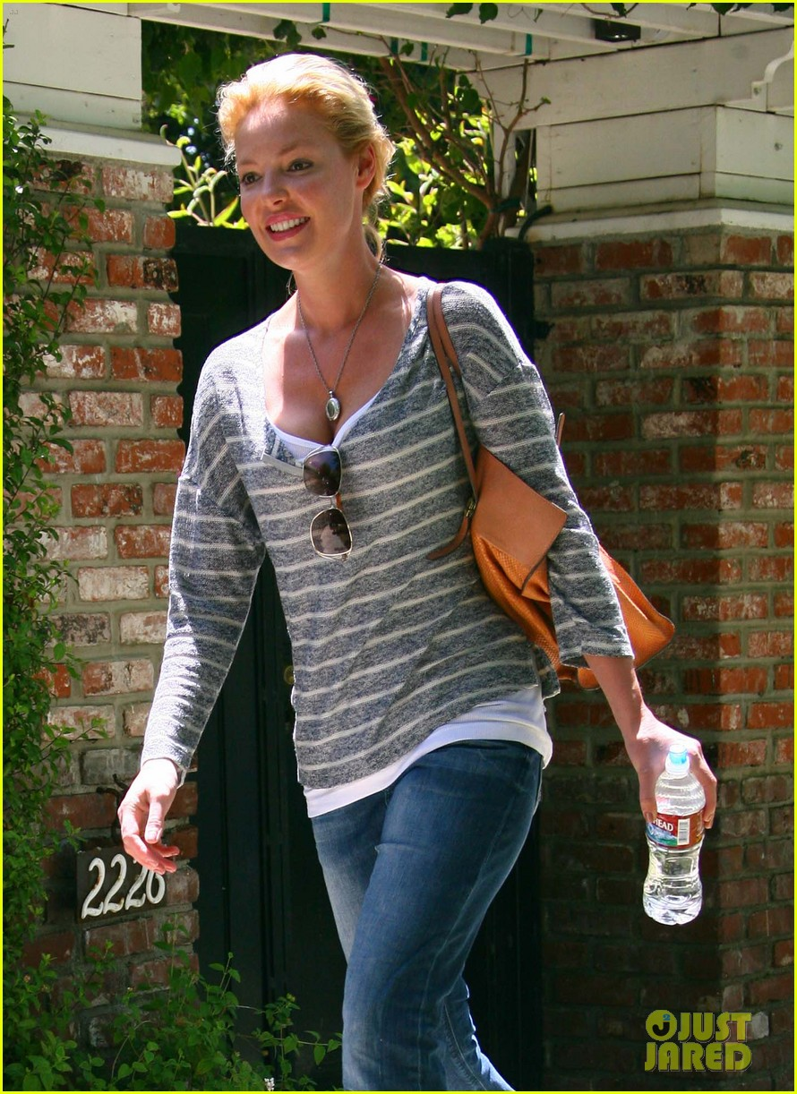 katherine heigl stepping out 02