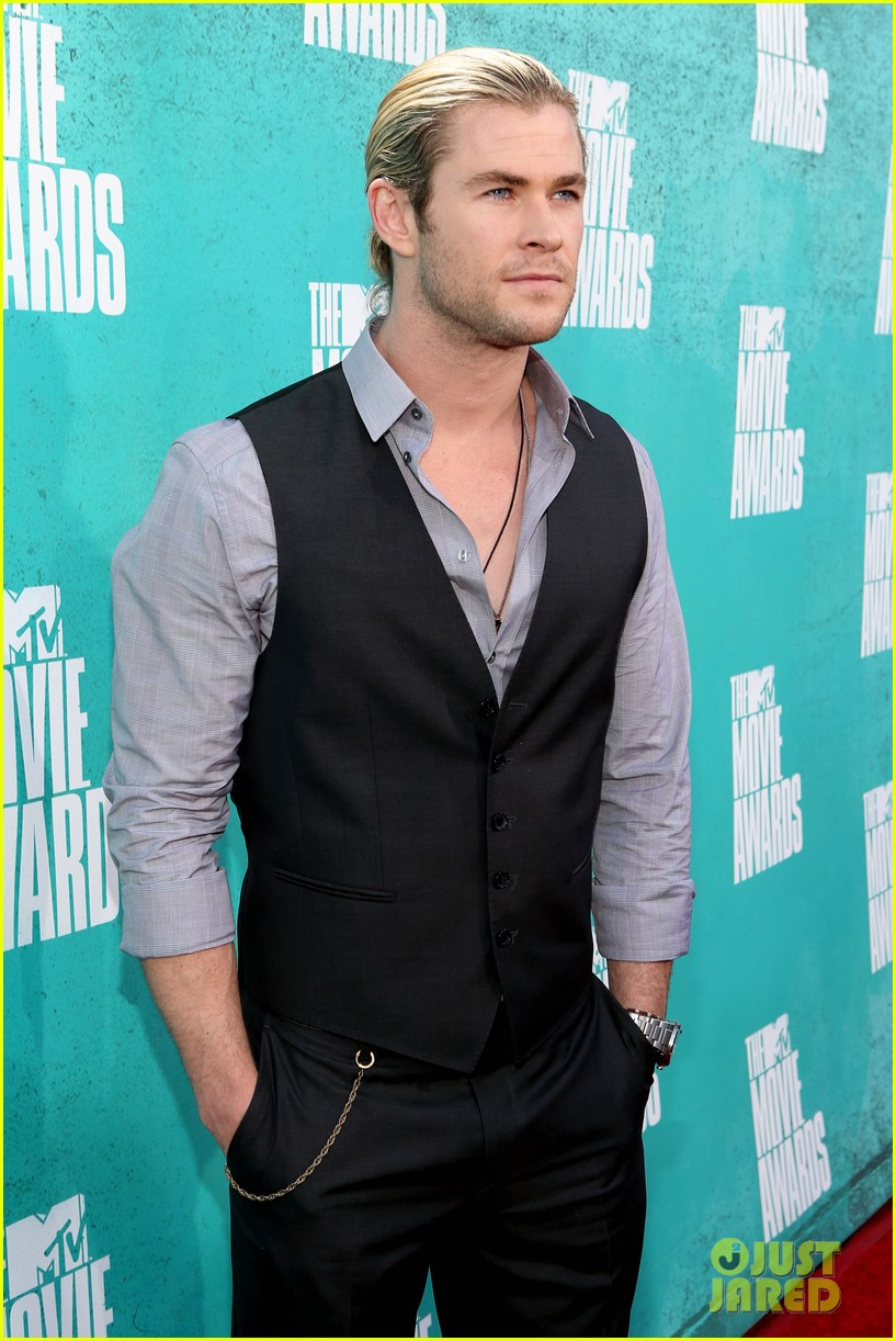 hemsworth mtv awards 03