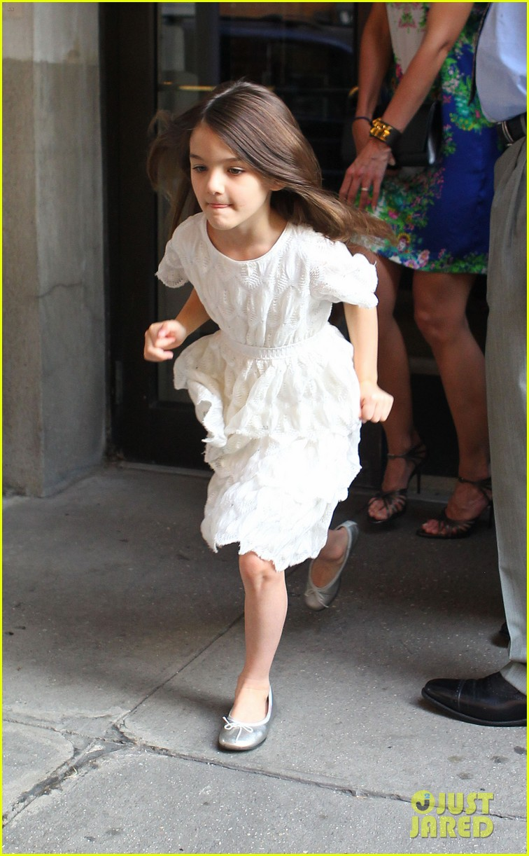 katie holmes suri girls night out 01