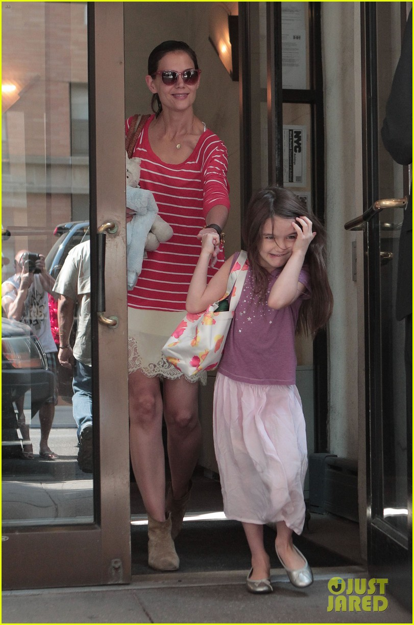 katie holmes suri early morning outing 062678131