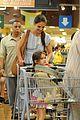 katie holmes suri whole foods shoppers 02
