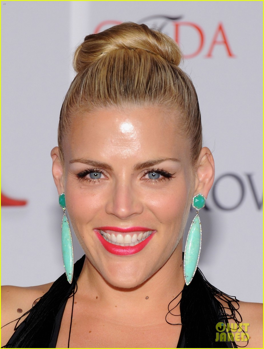 julianne hough busy philipps cfda fashion awards 2012 07
