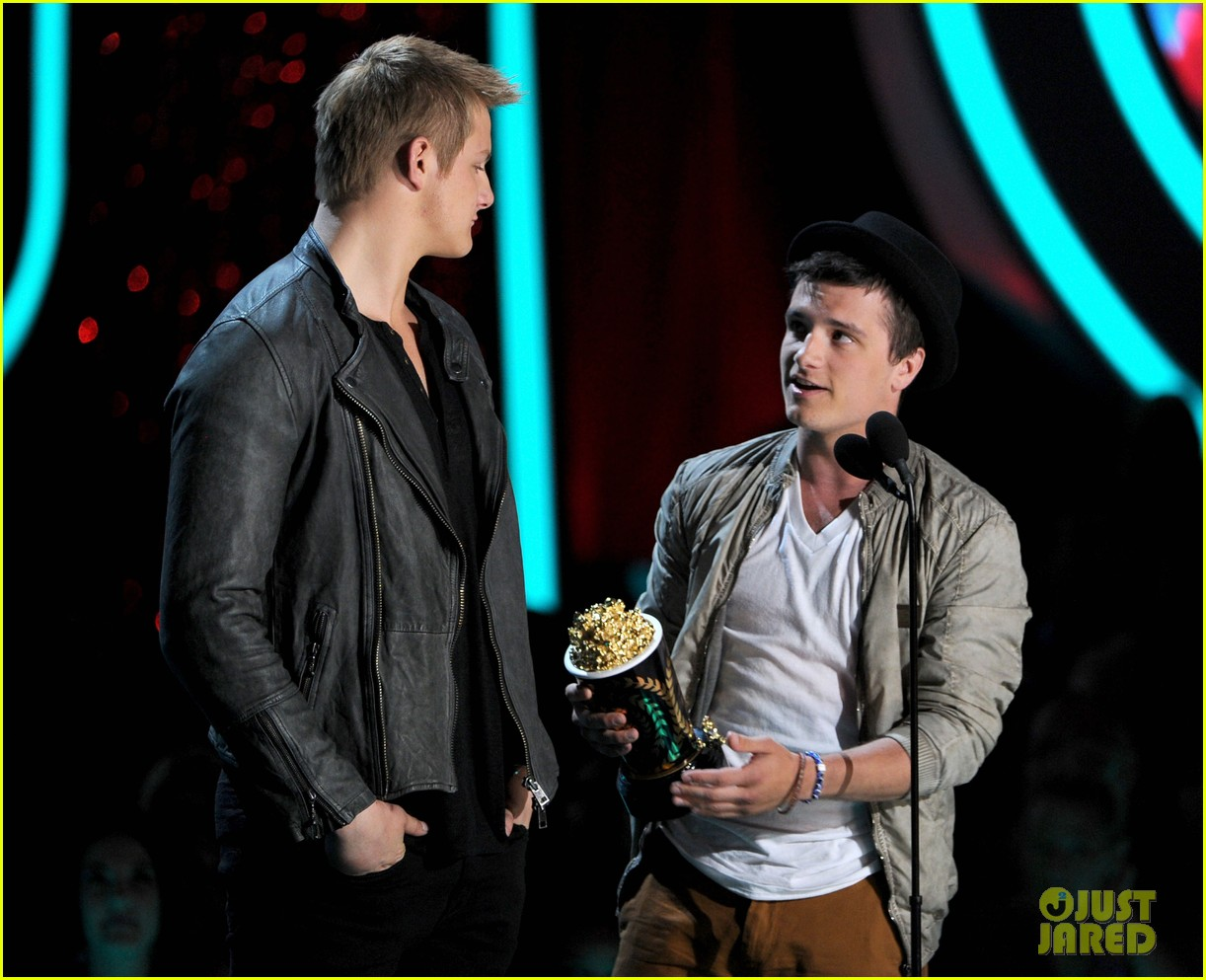 hutcherson mtv awards 03