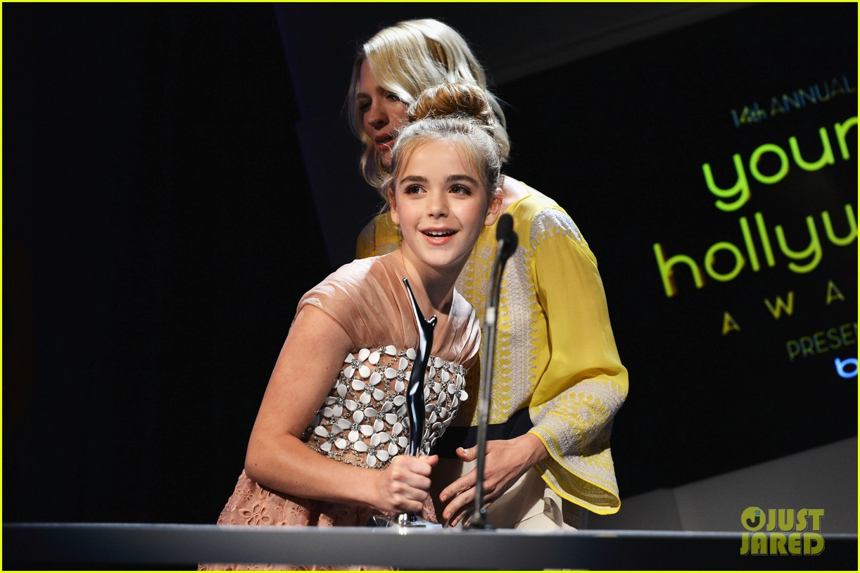 january jones young hollywood awards kiernan shipka 12